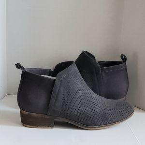 Tom's Deia Perforated Zip up Ankle Booties